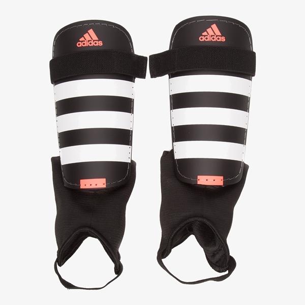 Adidas Everclub scheenbeschermers 1