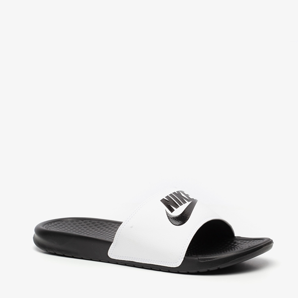 watch ff99e 1d23b Nike Benassi heren slippers 1